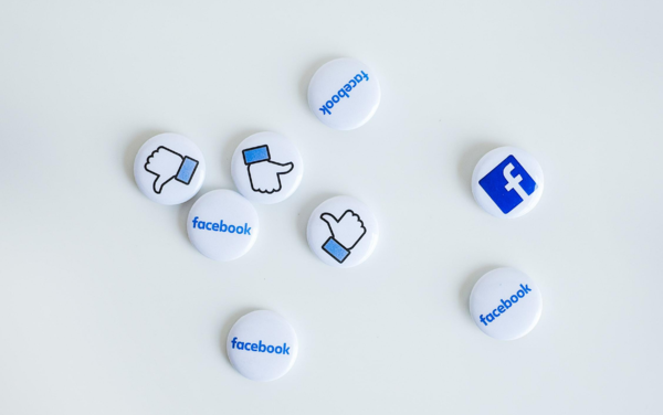 choose the right illustration for Facebook